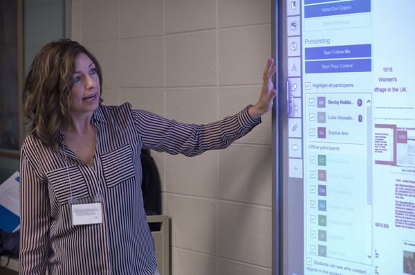 Presenter using SMART Board at UDETC 2015